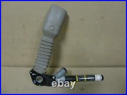 05-10 Jeep Grand Cherokee Driver Side Left Seat Belt Buckle Clip Female End