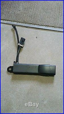 AVALANCE ESCALADE PASSENGER SIDE SEAT BELT BUCKLE BLACK 2007-2014 used 19121541