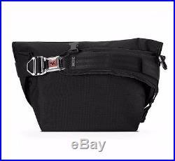 Chrome MINI METRO Black White Chrome Seat-belt Buckle Weatherproof Messenger Bag