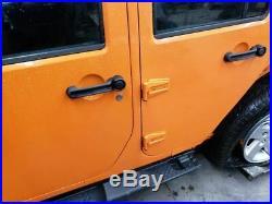 Jeep JK Wrangler 4 Door Passenger Front Seat Belt Buckle 1RH751X9AB11-17 14778