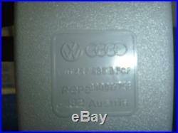 New 99-01 Volkswagen Golf Jetta Seat Belt Buckle Receiver Rear Center & Left OEM