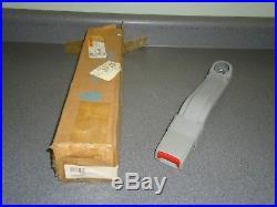 New NOS OEM GM Seat Belt Buckle 12381194 1991-1995 Chevy Astro GMC Safari Van