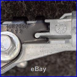TESLA MODEL X Seat Belt Buckle Front Left 0589-P1-000416 2017