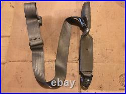 Toyota Tacoma Left Front Driver Seat Belt Buckle With Center Lap Belt 98 99 00